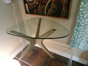 1950s Mid Century Modern Coffee End Table In The Manner Of Adrian Pearsall