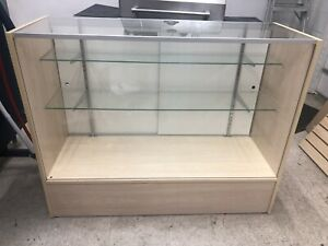 Selling Retail Displays And Slatwall