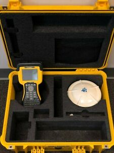 Trimble R8 Model 2 Gnss Rover 450 470 Mhz Radio And Tsc2 With Survey Controller