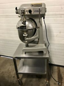 Hobart A200t 20 Quart Mixer W Bowl Guard Table Paddle Works Great