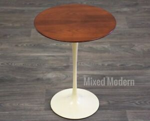 Knoll Tulip Mid Century Modern End Table By Eero Saarinen
