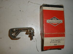Briggs Stratton Gas Engine Points Breaker Assembly 393403 New Old Stock