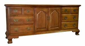 Vintage Thomasville Oak Traditional Style Sideboard Server Tv Cabinet