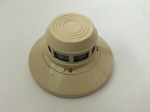 Notifier Sdx 551 Fire Alarm Photoelectric Smoke Detector With Bx 501 Base