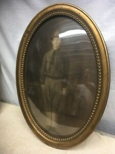 Vtg Oval Wood Frame Convex Bubble Glass Military Soldier Portrait Dated