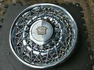 15 Cadillac Oem Wire Spoke Hubcap Wheelcover 1 Nice Used H 2017b P 01612485