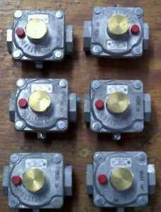 Maxitrol Regulator Rv47clsr 3 8 X 3 8 Pipe Propane Or Natural Gas Lot Of 6