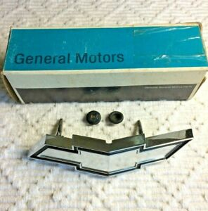 1973 Chevrolet Impala Chevy Bowtie Grille Emblem Vintage Gm New Old Stock In Box