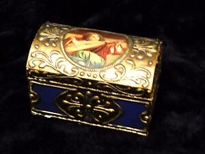 Renaissance Florentine Vintage Jewelry Chest Box With Portrait Playing Mandolin