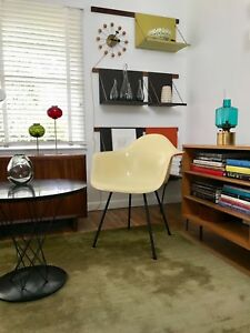 Eames Zenith 2nd Generation Parchment Dax Fiberglass Shell Arm Chair