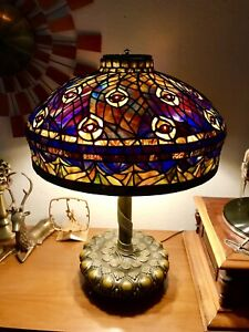 Vintage Us Tiffany Studios Peacock Leaded Lamp Stained Glass Lamp Reproduction