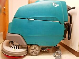 Tennant T5e 32 Floor Scrubber With F a s t