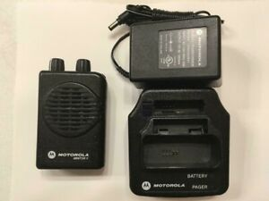 Motorola Minitor V 5 Low Band Pagers 33 37 Mhz 2 channel Nsv W Charger