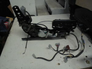 91 95 Acura Legend Coupe Right Seat Track With Switches Motors And Cable