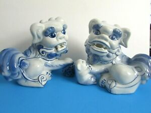Chinese Blue White Vintage Ceramic Foo Dogs Shi Shi Protectors
