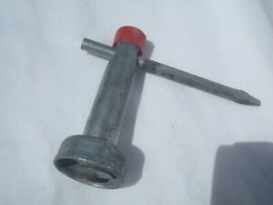 R Red Hubcap Lock Wrench Gm Cadillac Buick Chevy Oldsmobile Wire Spoke
