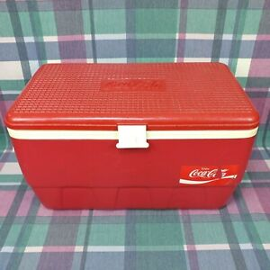 Coca-Cola Igloo Large Vintage Red Hard Plastic Ice Chest Box Cooler Camping