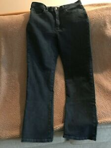 Lee Classic Fit Straight Dark Wash jeans Size 14 Med.