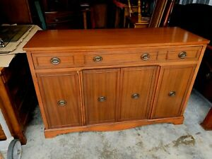 Beautiful Vintage Mahogany French Style Sideboard Credenza Buffet