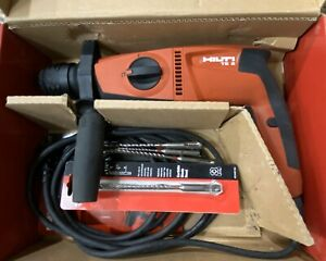 Hilti Te 2 Rotary Hammer Drill used 1 Time W Extra Hammer Drill Bits