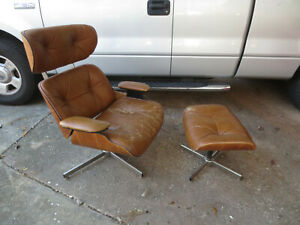 Mid Century Modern Selig Plycraft Eames Lounge Chair With Matching Ottoman