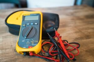 Fluke 16 Multimeter With Accessories
