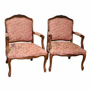Vintage Smithe Craft Pair Of French Provincial Style Carved Arm Chairs