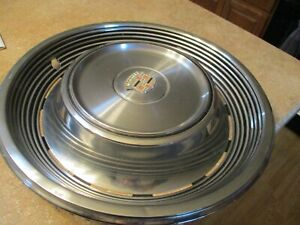 One 1968 68 1969 69 Cadillac Deville Hubcap Wheel Cover Gm