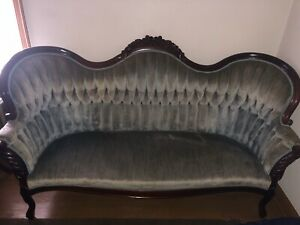 Antique Early 1800s Victorian Couch Sofa And 1 Chair Excellent Condition