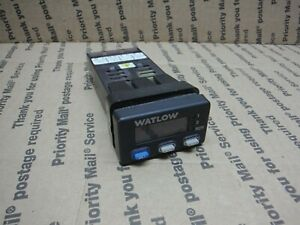 Watlow Digital Temperature Controller 935a 1cd1 00r