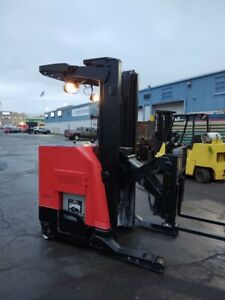 2011 Raymond Forklift Reach Truck 3500lb 211 Lift W Battery Charger 95 tall