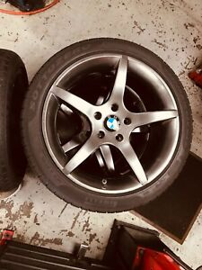 Bmw 3 Series Set Of 4 Factory 18 Rims With Pirelli Tires brand New 225 45