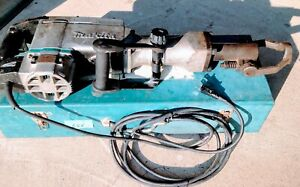 Makita Hm1500b Demolition Hammer In Metal Tool Case In Good Working Condition