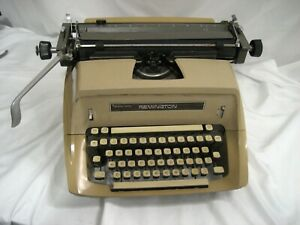 Refurb Sperry Rand Remington Manual Typewriter W paint Touch up 12 Carriage