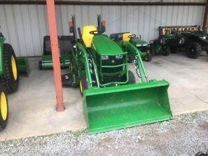 2019 John Deere 1025r With 60 Mower Deck Loader Only 24 Hours