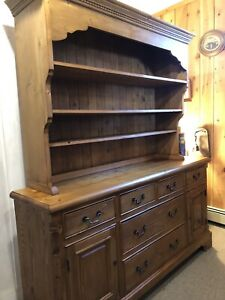 Vtg Pine Cupboard Hutch Cabinet Old English 2pc Sideboard 81 H 70 1 2 W 18 1 2 D