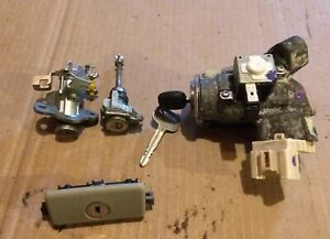 Toyota Camry Ignition Switch With Key And Door Trunk Glovebox Lock Set 07 11