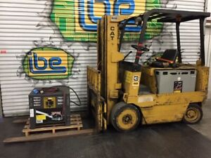 Caterpillar Electric Forklift Model M80b W 48v Battery Charger 8 000lb Capacity