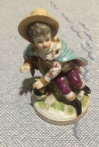 R 1763 Fine German Porcelain Statue Of Girl Keeping Warm By Fire