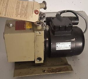 Pfeiffer Pk D40 Duo 1 5a Dual Stage Vacuum Pump