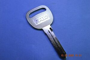 Jma Gm 40 Keyblank For Various Saturn Vehicles Equiv To Ilco B96 P1110