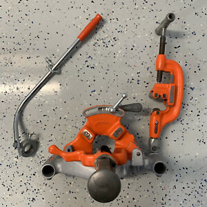 Ridgid 300 Threading Assembly 311 Carriage 341 Reamer 360 Cutter 811 Die Head