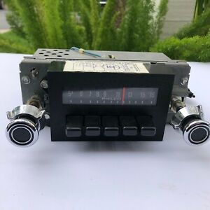 Vintage Ford Radio 12v Neg Gnd Car Truck All Knobs Push Buttons
