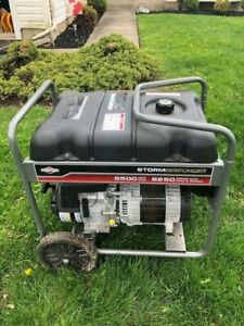 Briggs And Stratton 5500 Watt Generator Portable Storm Responder Power 4 Outlet