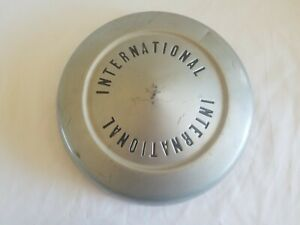 International Truck Scout Hubcap Dog Dish 10 1 2