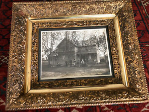 1880s Victorian Gold Gilt Flowers Gesso Wooden Picture Frame 1910 Family Pic