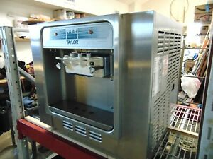 Taylor Soft Serve Freezer Ice Cream Machine Twin Twist 110v