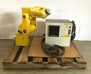 Fanuc Lr Mate 200i Robotic Arm A05b 1135 b001 A05b 2332 b001 W Control Cables