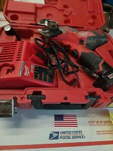 Milwaukee 2472 20 M12 12v 600 Mcm Cordless Cable Cutter W Battery Charger Case