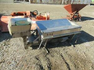 2015 Smith Mfg Salt Spreader 48 l X 32 w 1 3 Cu Yard Fits Utv Beds 500528